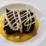 Brownie de chocolate con natillas caseras